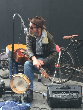 One of the many buskers